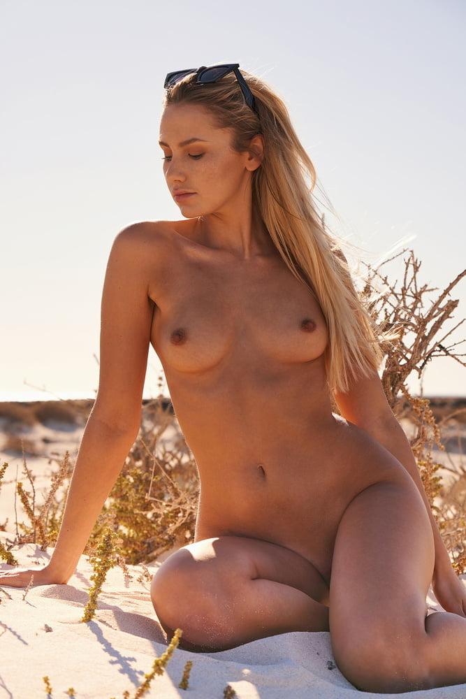 Jessica Witmann's Naked Photoshoot