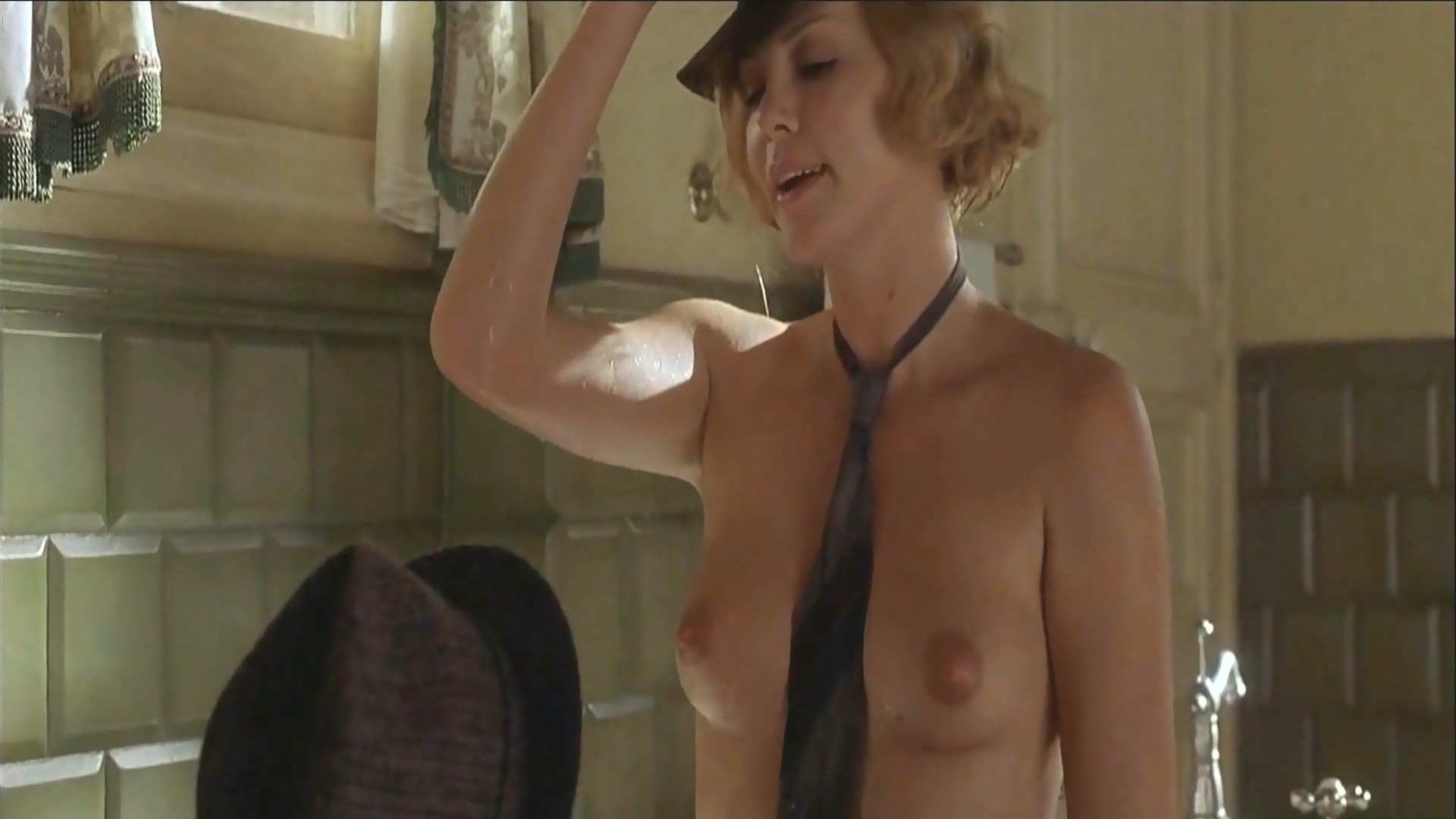 hot charlize nude pics