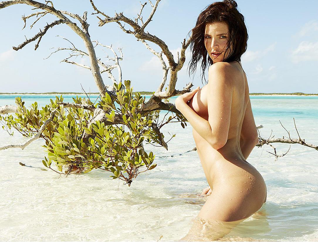 Julia Lescova nude