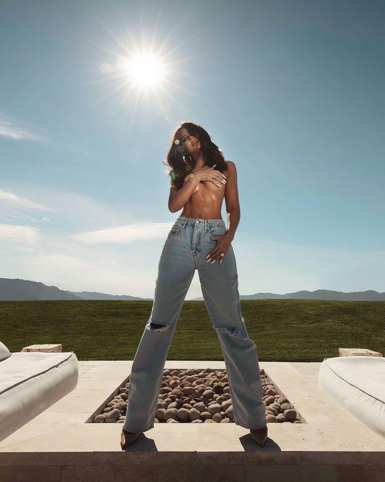 Khloé Kardashian Topless nudes
