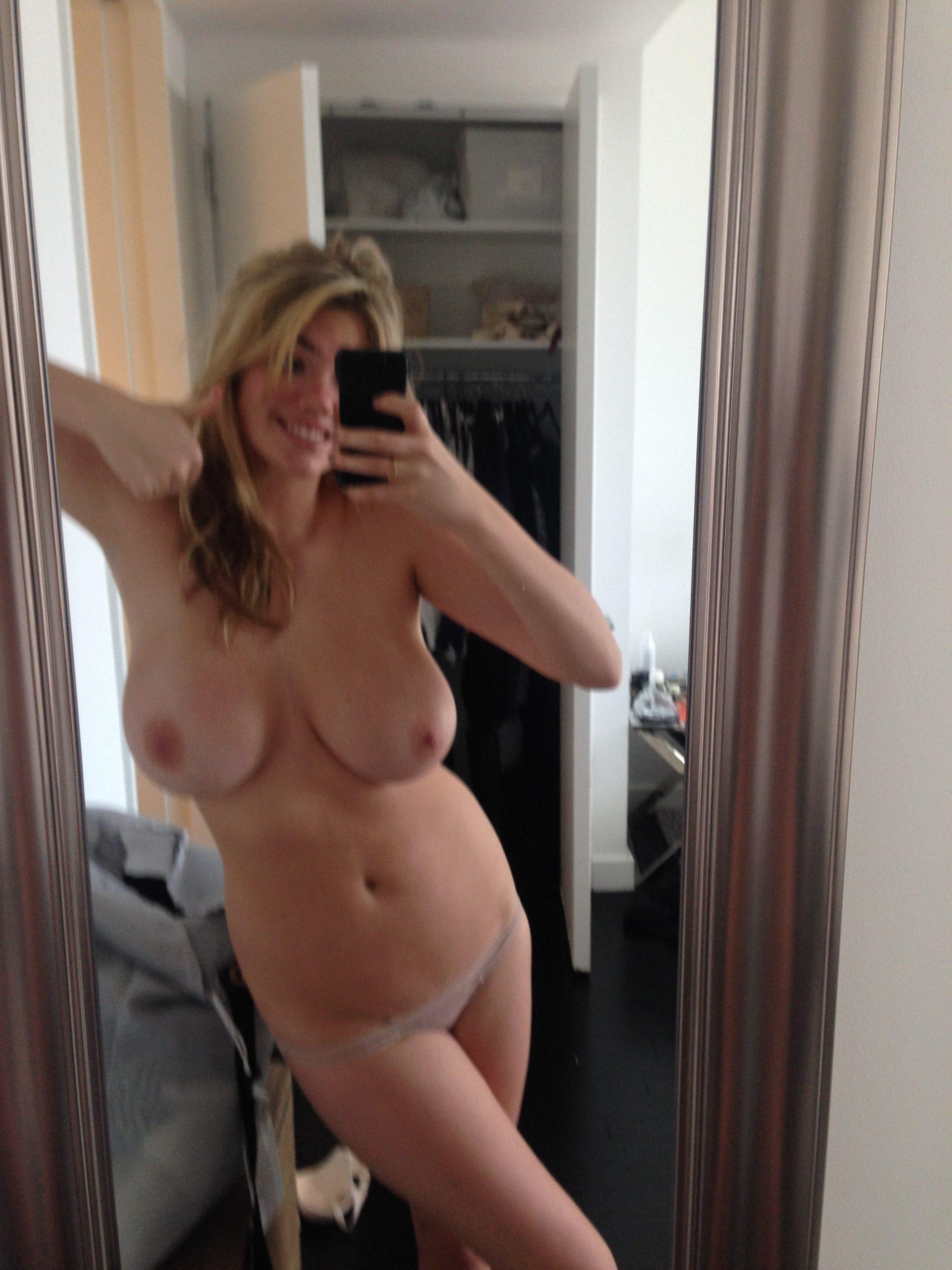 kate upton naked selfie