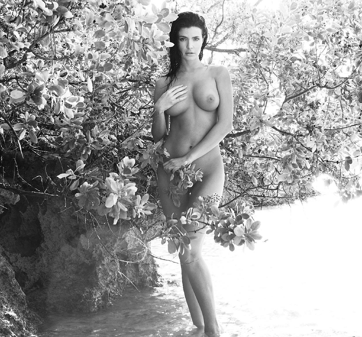 sexy pics of Julia Lescova